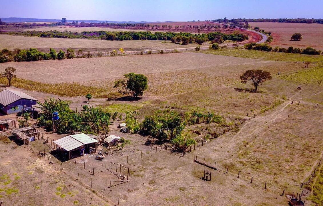 Vende-se fazenda na região de Dourados