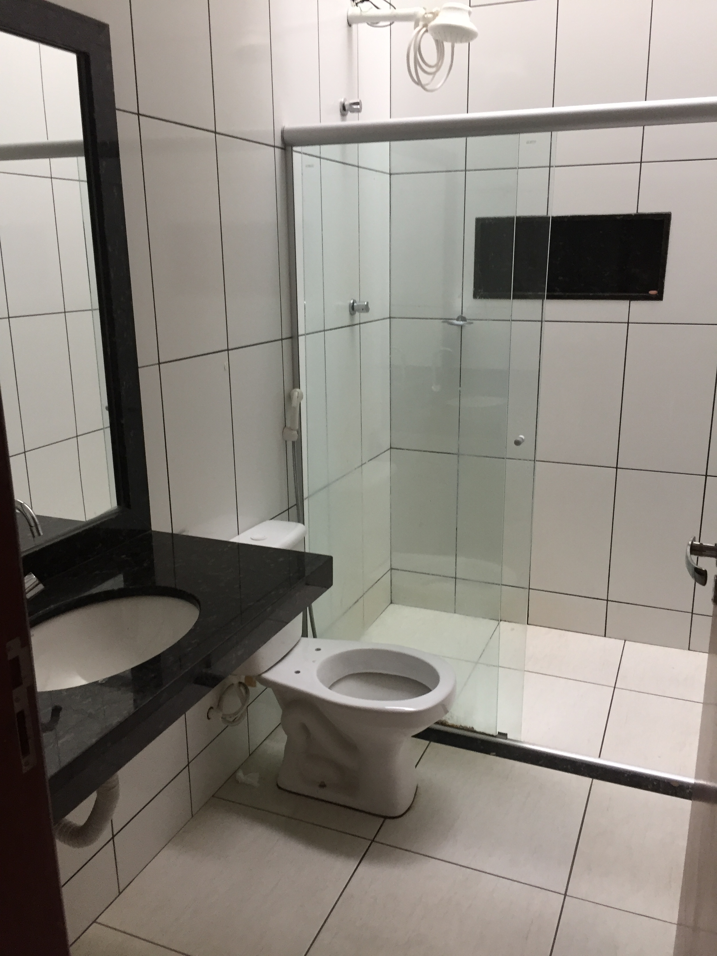 ALUGA-SE APARTAMENTO (Próximo a Santa Casa – 2 Quartos) sem taxa de condomínio-Garagem