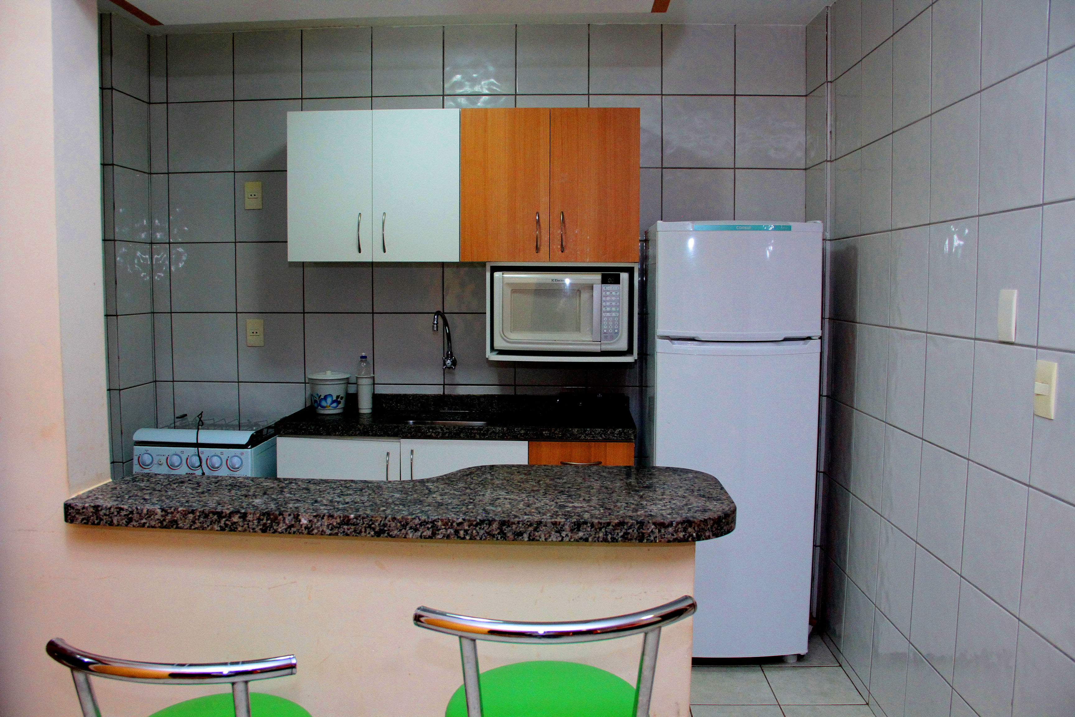 Apto de 2/4 para 6 pessoas no Condominio Thermas Paradise em Rio Quente Go